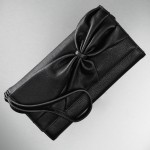 This bow clutch from the Simply Vera Vera Wang for Kohl's is the perfect Holiday accessory!