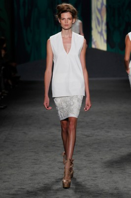 Look 5: White cotton canvas sleeveless v-neck tunic over white cotton canvas soutache embroidered skirt | Photography: Dan Lecca